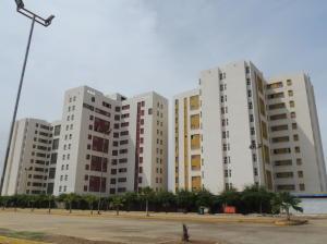 Apartamento En Venta En Maracaibo, Avenida Goajira, Venezuela, VE RAH: 16-568