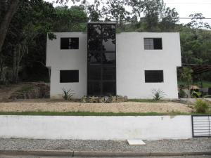 Casa En Venta En Municipio Naguanagua, La Entrada, Venezuela, VE RAH: 16-572