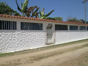 Casa En Venta En Rio Chico, Puerto Tuy, Venezuela, VE RAH: 16-630