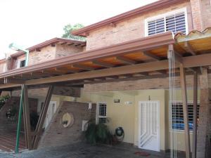 Townhouse En Venta En Municipio San Diego, Terranostra, Venezuela, VE RAH: 16-640