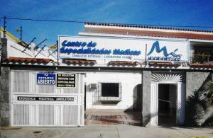 Local Comercial En Alquiler En Parroquia Caraballeda, Los Corales, Venezuela, VE RAH: 16-644
