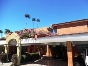Townhouse En Venta En Municipio Naguanagua, Maã±Ongo, Venezuela, VE RAH: 16-668