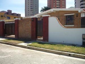 Casa En Venta En Valencia, Trigal Norte, Venezuela, VE RAH: 16-678