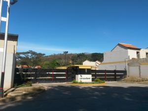 Townhouse En Venta En Municipio Naguanagua, Tazajal, Venezuela, VE RAH: 16-702