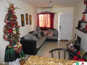 Apartamento En Venta En Municipio San Francisco, El Soler, Venezuela, VE RAH: 16-705
