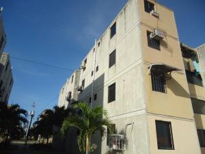 Apartamento En Venta En Municipio Los Guayos, Buenaventura, Venezuela, VE RAH: 16-709