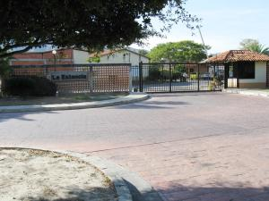 Casa En Venta En Municipio San Diego, Valle De Oro, Venezuela, VE RAH: 16-763