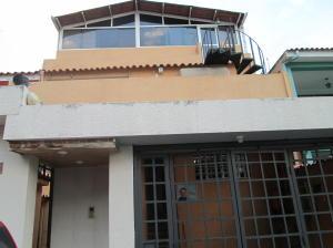 Casa En Venta En Caracas, El Marques, Venezuela, VE RAH: 16-731