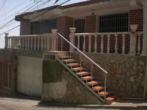 Apartamento En Venta En Caracas, El Junquito, Venezuela, VE RAH: 16-762