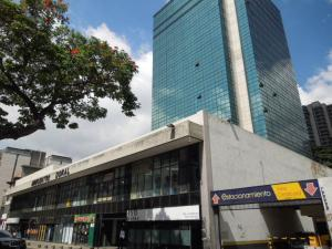 Local Comercial En Venta En Caracas, El Bosque, Venezuela, VE RAH: 16-797
