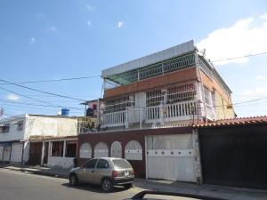 Casa En Venta En Maracay, Piñonal, Venezuela, VE RAH: 16-711