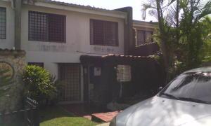 Townhouse En Venta En Caracas, Lomas De Monte Claro, Venezuela, VE RAH: 16-898