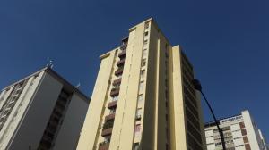 Apartamento En Venta En Caracas, Terrazas Del Club Hipico, Venezuela, VE RAH: 16-837