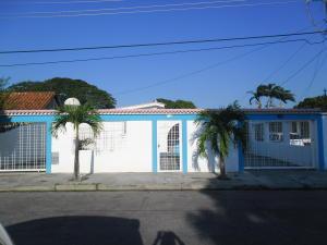 Casa En Venta En Guacara, Ciudad Alianza, Venezuela, VE RAH: 16-836