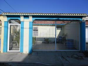 Casa En Venta En San Joaquin, Villas Del Centro, Venezuela, VE RAH: 16-839