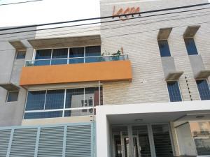 Apartamento En Venta En Maracaibo, Lago Mar Beach, Venezuela, VE RAH: 16-880