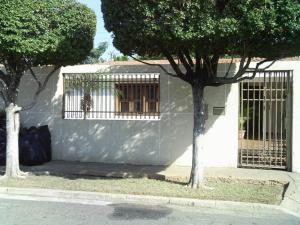Casa En Venta En Maracaibo, Zona Norte, Venezuela, VE RAH: 16-900