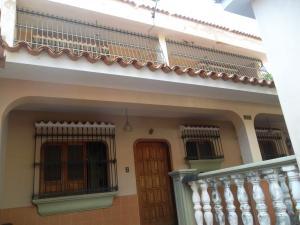 Casa En Venta En Valencia, La Trigaleña, Venezuela, VE RAH: 16-915