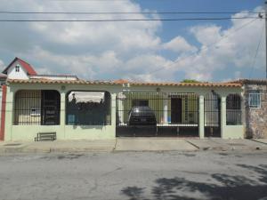 Casa En Venta En San Joaquin, Villas Del Centro, Venezuela, VE RAH: 16-909