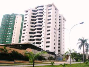 Apartamento En Venta En Valencia, Los Mangos, Venezuela, VE RAH: 16-910