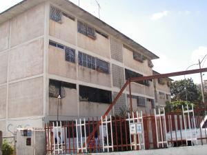Apartamento En Venta En Caracas, Coche, Venezuela, VE RAH: 16-932