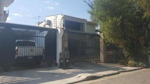 Casa En Venta En Valencia, Trigal Sur, Venezuela, VE RAH: 16-954