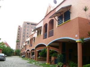 Townhouse En Venta En Municipio Naguanagua, El Rincon, Venezuela, VE RAH: 16-1261