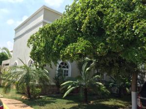 Townhouse En Venta En Maracaibo, Avenida Milagro Norte, Venezuela, VE RAH: 16-1084