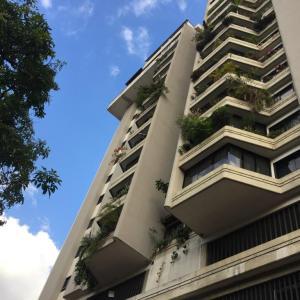 Apartamento En Venta En Caracas, Los Chaguaramos, Venezuela, VE RAH: 16-1043
