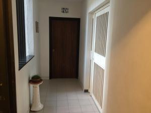 Apartamento En Venta En Caracas - Los Chaguaramos Código FLEX: 16-1043 No.4