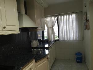 Apartamento En Venta En Caracas - Los Chaguaramos Código FLEX: 16-1043 No.9
