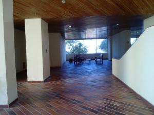 Apartamento En Venta En Parroquia Naiguata, Longa España, Venezuela, VE RAH: 16-1067
