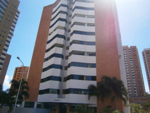 Apartamento En Venta En Valencia, Valle Blanco, Venezuela, VE RAH: 16-1082
