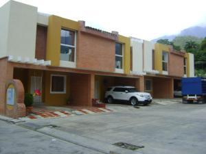 Townhouse En Venta En Maracay, El Limon, Venezuela, VE RAH: 16-1093