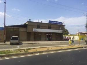 Local Comercial En Alquiler En Maracaibo, Cuatricentenario, Venezuela, VE RAH: 16-1101
