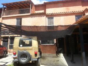 Casa En Venta En Guatire, El Ingenio, Venezuela, VE RAH: 16-1103