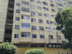 Apartamento En Venta En Valencia, Los Colorados, Venezuela, VE RAH: 16-1331