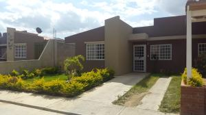 Casa En Venta En Guatire, Guatire, Venezuela, VE RAH: 16-1116