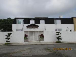 Casa En Venta En Caracas, La Lagunita Country Club, Venezuela, VE RAH: 16-1148