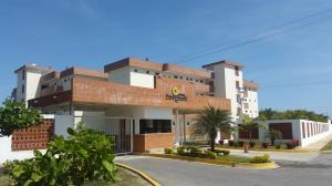 Apartamento En Venta En Higuerote, Higuerote, Venezuela, VE RAH: 16-1124