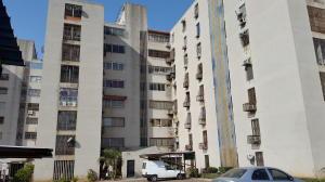 Apartamento En Venta En Maracaibo, Avenida Goajira, Venezuela, VE RAH: 16-1167