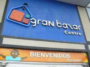 Local Comercial En Venta En Valencia, Centro, Venezuela, VE RAH: 16-1884