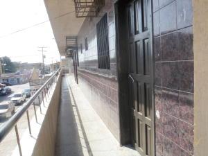 Local Comercial En Venta En Punto Fijo, Centro, Venezuela, VE RAH: 16-1252