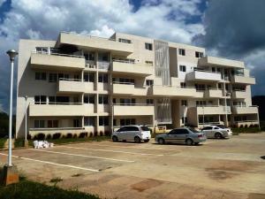 Apartamento En Venta En Caracas, Bosques De La Lagunita, Venezuela, VE RAH: 16-1322