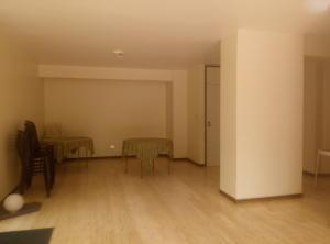 Apartamento En Venta En Caracas - La Florida Código FLEX: 16-1363 No.6