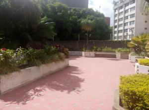 Apartamento En Venta En Caracas - La Florida Código FLEX: 16-1363 No.8