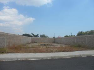Terreno En Venta En Municipio Los Guayos, Paraparal, Venezuela, VE RAH: 16-1416