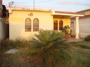 Casa En Venta En Ciudad Ojeda, Los Samanes, Venezuela, VE RAH: 16-1393