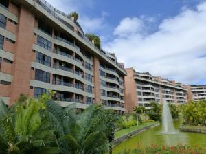 Apartamento En Venta En Caracas, La Lagunita Country Club, Venezuela, VE RAH: 16-1434