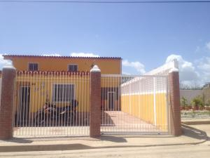 Casa En Venta En Municipio Diaz San Juan, El Espinal, Venezuela, VE RAH: 16-1445